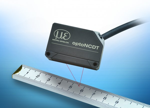 Ideal for Automation, Integration and Robotics: Compact Laser Triangulation Displacement Sensor